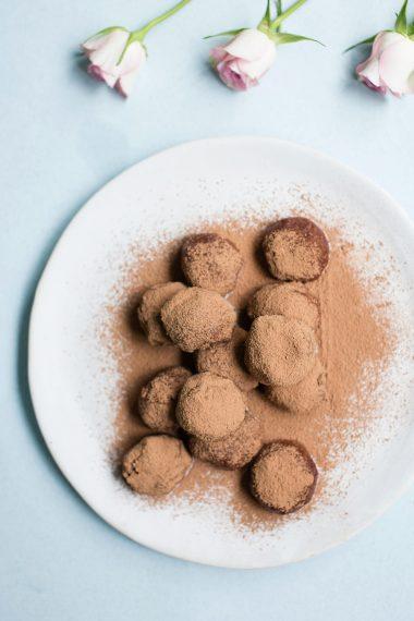Raw chocolate almond butter protein balls