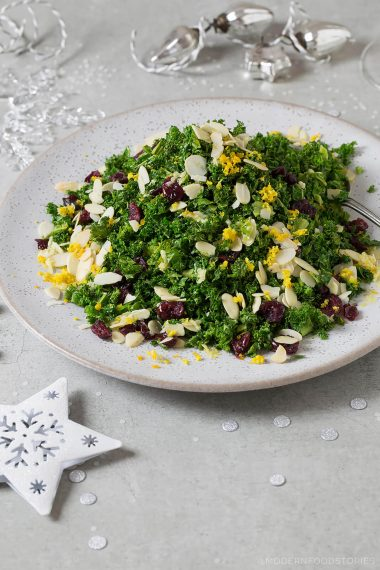 kale salad, crispy kale recipe, kale recipe, kale and almond salad, healthy salad, Paleo Crust, Christmas recipes, food photography, food styling, Modern Food Stories