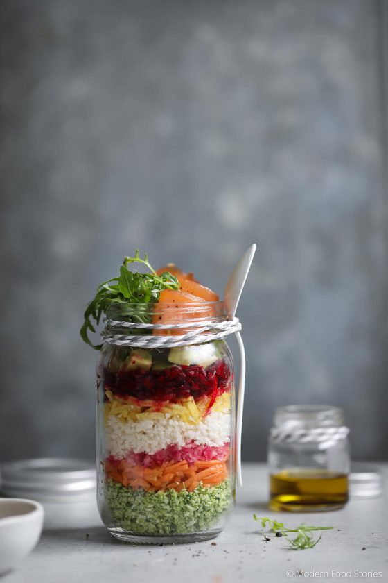 rainbow salad jars, healthy lunch recipes, Modern food Stories, salad, salad recipe, smoke salmon salad, low carb, low carb recipes, Paleo, Paleo dinner, Paleo lunch, Whole30 recipes, Salad recipes, easy lunch recipes, low carb lunch recipes, Autoimmune paleo recipes, Autoimmune, SCD, Gaps recipes,
