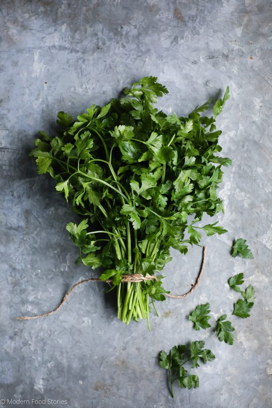 How to keep herbs fresh, herbs, Parsley, Food photography, food styling, food styling tips, Modern Food Stories, Paleo Crust