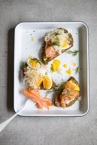 Paleo Crust, grain free chia breads, food photography, food styling, Modern Food Stories, Paleo Crust, Grain free bread, gluten free bread, Paleo breakfast, keto breakfast, low carb breakfast recipes, smoked salmon recipes, grain free bread recipe, Modern Food Stories