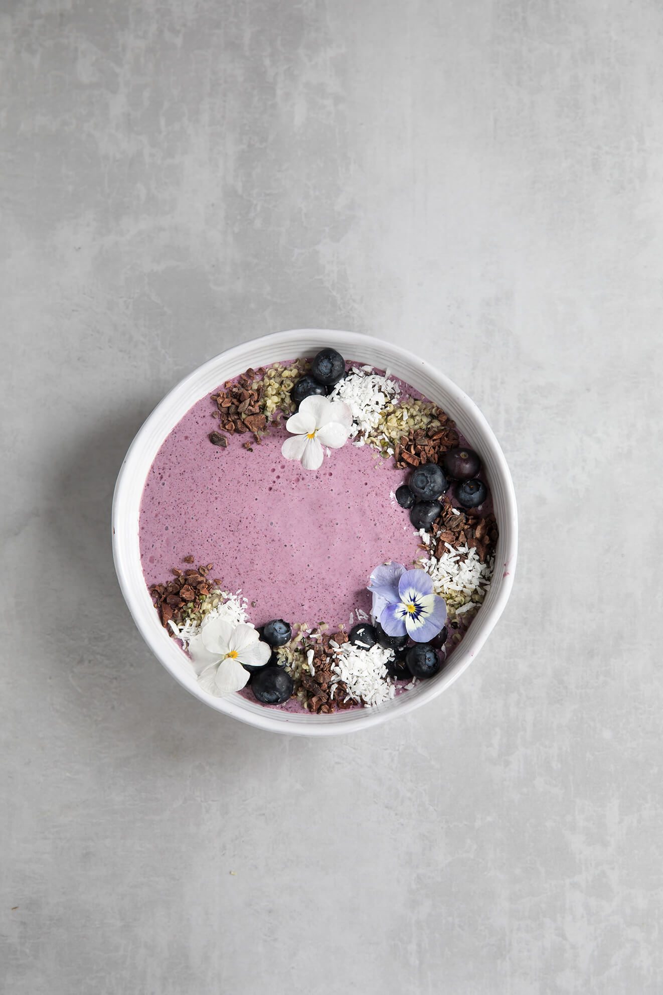 Low Fructose Acai and Blueberry Smoothie Bowl